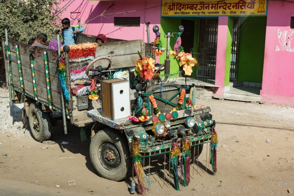 Odd Rajasthani truck powered by a one cylinder engine
